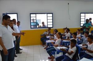 Luciano Leitoa é atencioso com a população. É presença constante nas escolas, unidades de saúde etc.